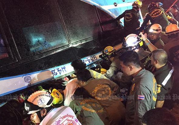 В Таиланде перевернулся двухэтажный автобус погибли шесть человек