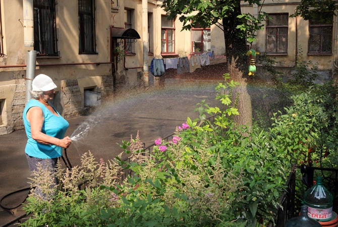 Как дом теряет воду, за которую теперь будут платить жильцы