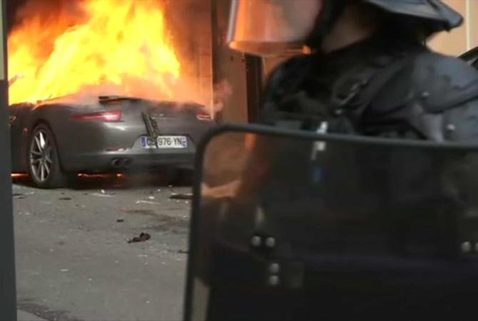 Встолице франции  возобновились столкновения между полицией ипротестующими «желтыми жилетами»