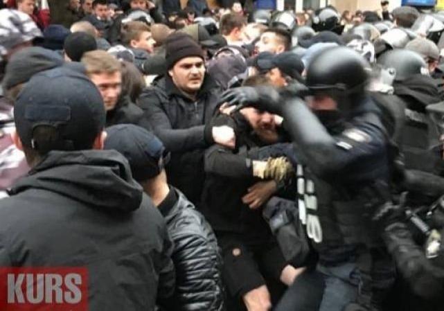 ВИвано-Франковске произошла драка намитинге Порошенко