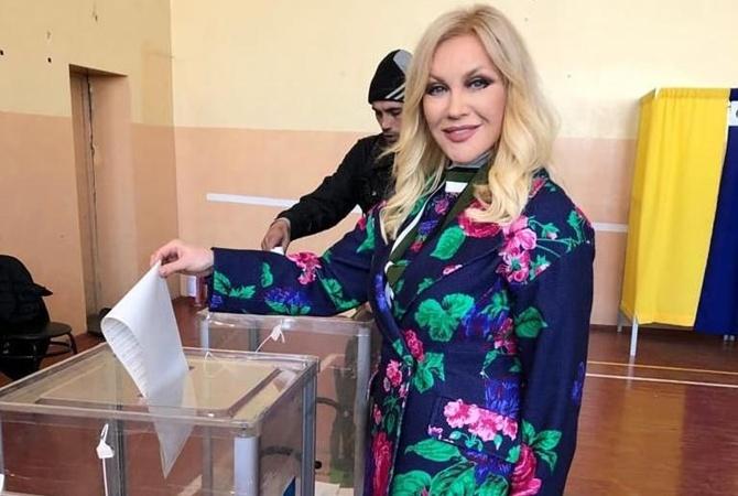 Таисия Повалий прилетела в Украинское государство, чтобы проголосовать навыборах