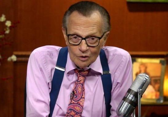 85-летний американский телевизионный ведущий Ларри Кинг попал в клинику
