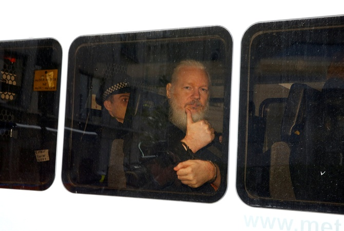 Шведская генпрокуратура  возобновила расследование поделу Ассанжа обизнасиловании
