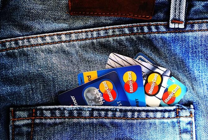 Банки будут возвращать деньги, которые сняли скарточек мошенники