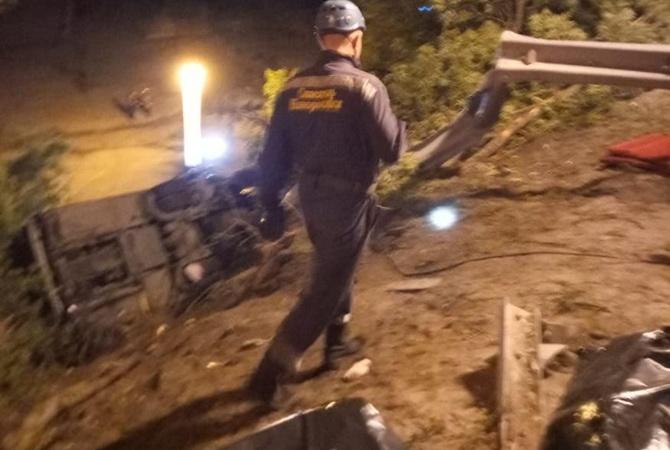 В России с обрывал упал автобус с детьми: 3 погибших и десятки раненых