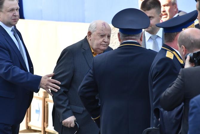 Пресс-секретарь — о состоянии Горбачева: В силу возраста не каждый день ходит на работу