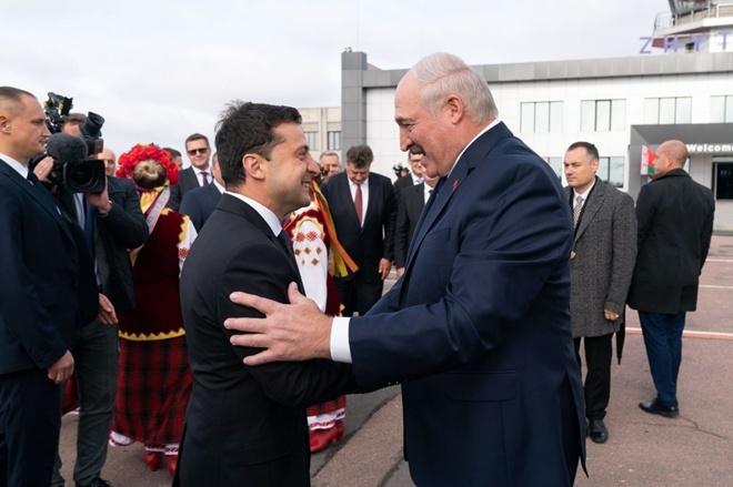 Лукашенко заступился за Зеленского в Минске