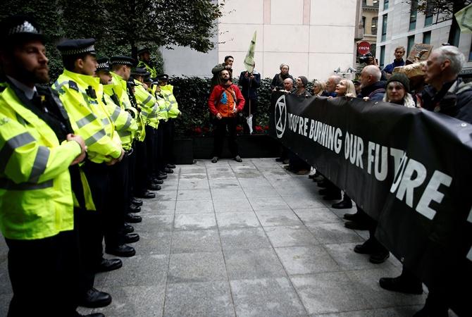 Полиция Лондона запретила экоактивистам устраивать протесты