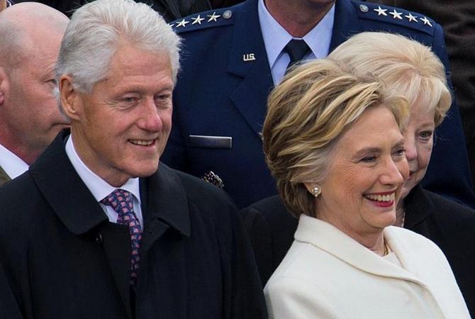 Самолет с Клинтон на борту едва не развалился после взлета