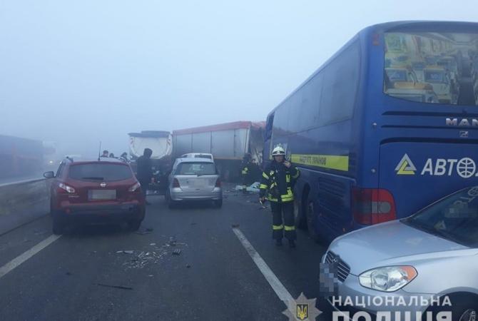 Під Одесою зіткнулися 11 автомобілів: є загиблий