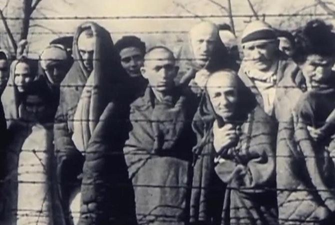 """Ті, що вижили в Освенцимі: """"Мама нас врятувала. А її спалили"""""""
