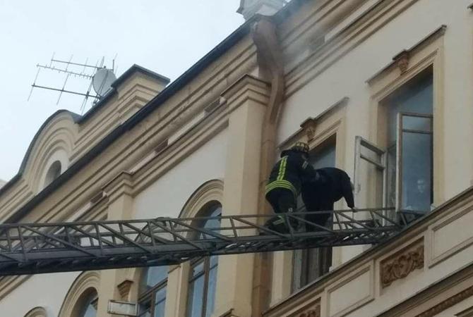 У Києві палає Міністерство культури: евакуювали людей [Відео]