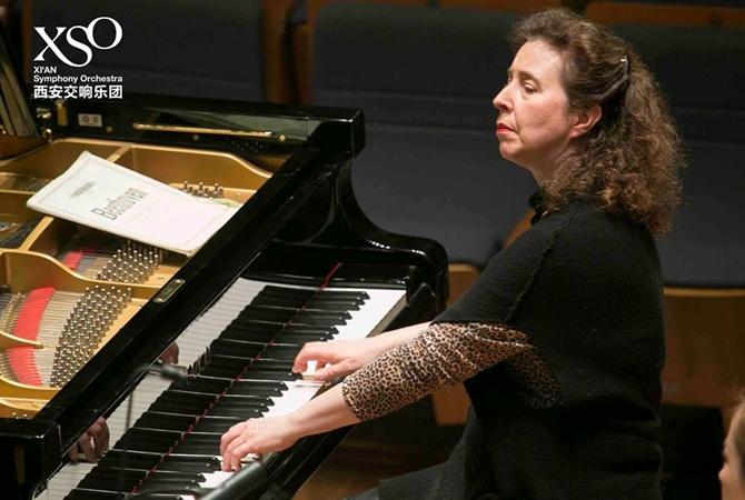 Знаменитая виртуоз оплакивает фортепиано за 150 тысяч фунтов, которое разбили грузчики