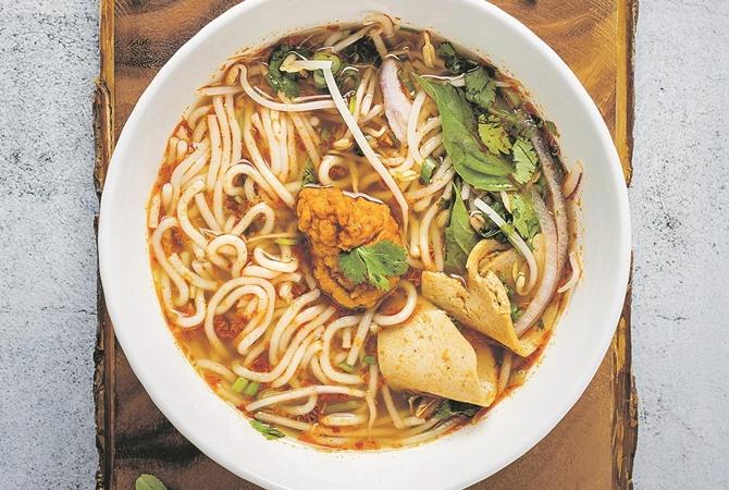 Некоторые любят похолоднее: четыре рецепта холодных супов