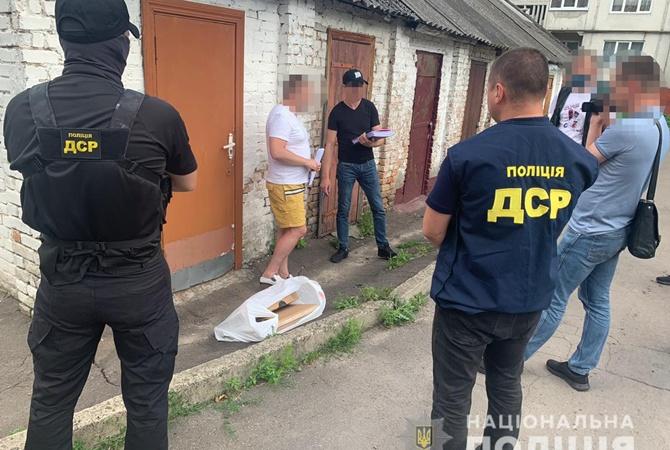 За взятку в два ноутбука арестовали зама начальника прокуратуры Ровненской области