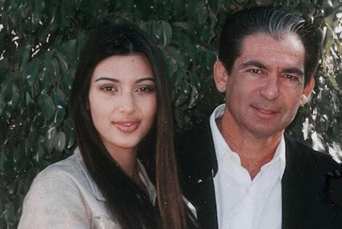 Канье Уэст подарил Ким Кардашьян на юбилей голограмму её умершего отца