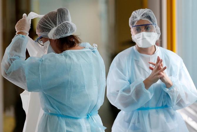 Коронавирус по протоколу: разбираемся с врачом в противоречиях в лечении