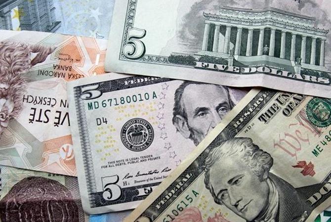 Чем ближе Новый год, тем слабее гривна: сколько еще будет дорожать доллар