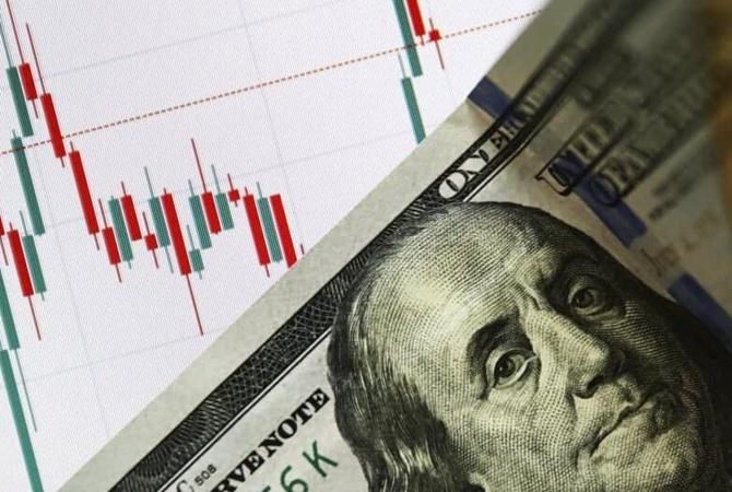 Доллар начал дешеветь: надолго ли это