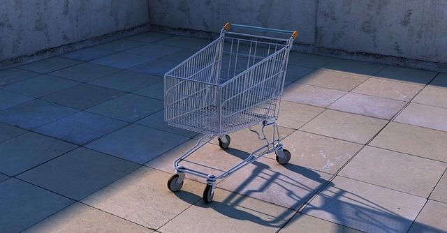 Экономия на карантине : как отказ от покупок сказывается на наших кошельках