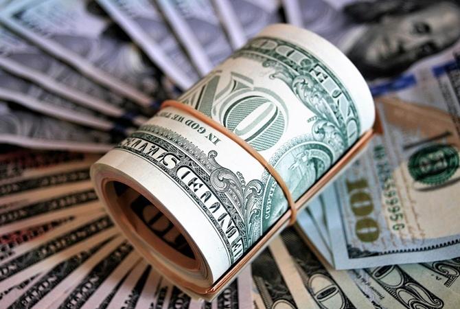 Чего ждать от доллара на праздники и после