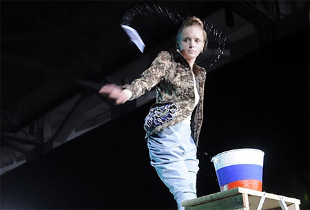 Скандал на львовской неделе моды: Из-за антироссийской выходки украинского дизайнера Вячеслав Зайцев в знак протеста покинул показ [Фото, видео] фото 1
