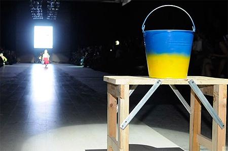 Скандал на львовской неделе моды: Из-за антироссийской выходки украинского дизайнера Вячеслав Зайцев в знак протеста покинул показ [Фото, видео] фото 5